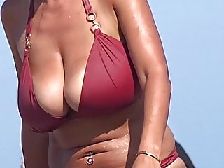 beach,brunette,hidden camera