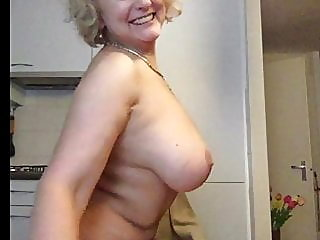 webcam,blonde,milf